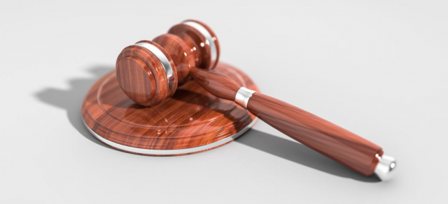 Quelle est l'appréciation du juge dans les procédures de déspécialisation?